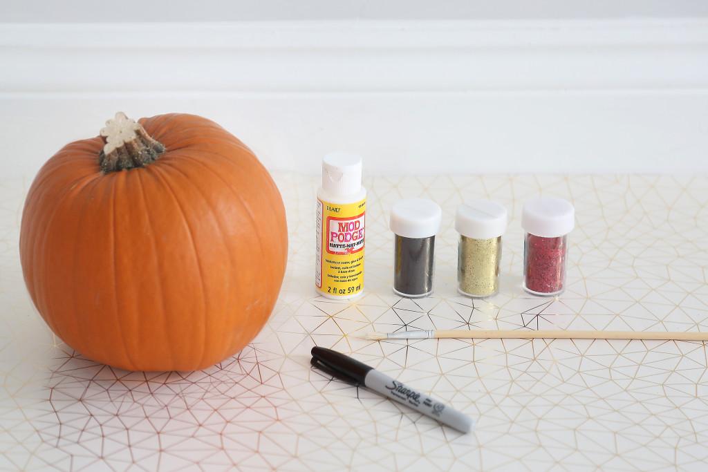 http://www.my1styears.com/blog/wp-content/uploads/2016/10/Make-your-own-pumpkin-start1.jpg