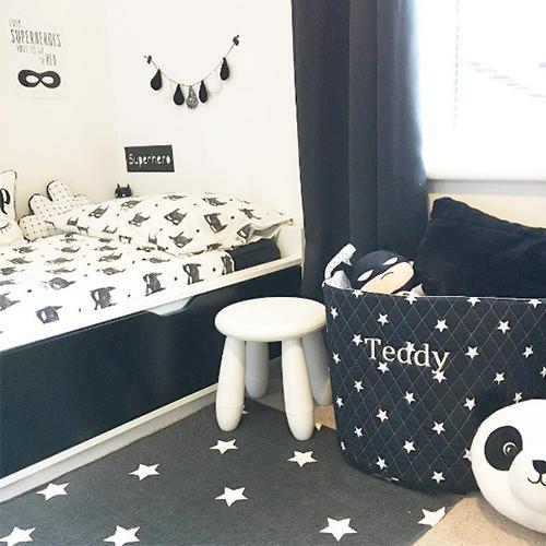 monochrome-bedroom