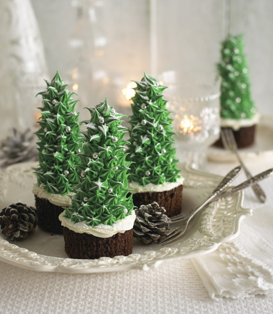 annabel-karmel-christmas-tree-cupcakes