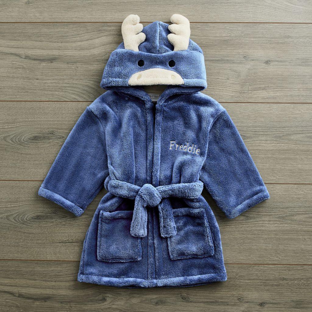10110042_moose-robe_a